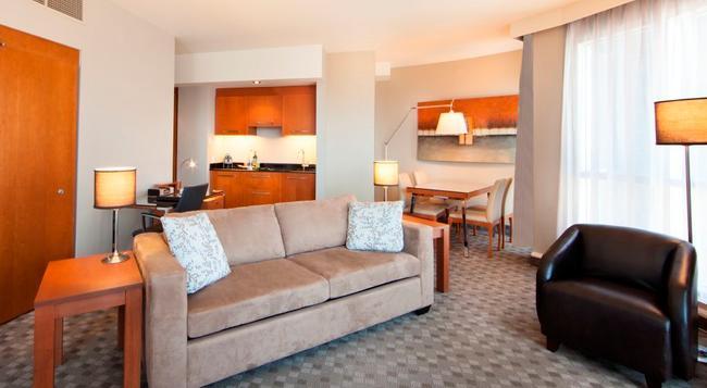 Hotel Le Crystal Montreal - 몬트리올 - 침실