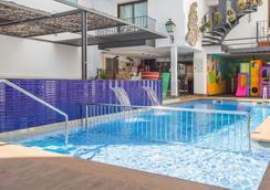 호텔 넵튜노 - 칼레라 - 수영장