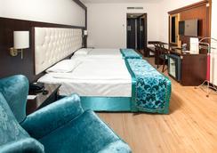 Ege Palas Business Hotel - 이즈미르 - 침실