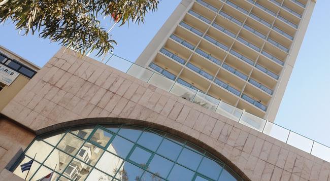 에게 팔라스 - 이즈미르 - 건물