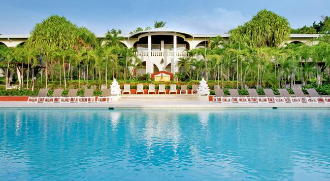 Hotel Tamarindo Diria Beach Resort - 타마린도 - 건물