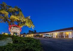 Sunset Lodge Escanaba - 에스카나바 - 야외뷰
