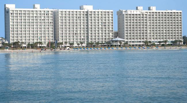 Crown Reef Resort - 머틀비치 - 건물