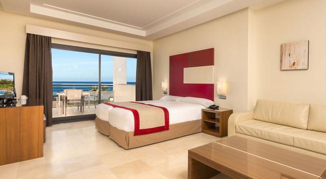 호텔 푸이르테 에스테포나 - 에스테포나 - 침실