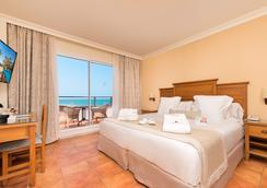 호텔 푸에르테 코닐 - 코스타 루즈 - Conil de la Frontera - 침실