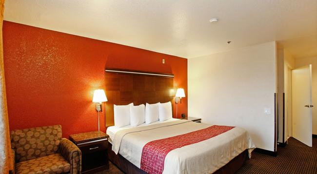 Red Roof Inn Ontario Airport - 온타리오 - 침실
