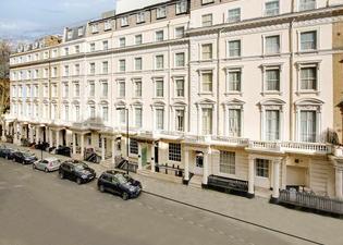 퀸즈 파크 호텔