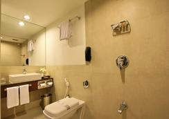 익스프레스 타워스 호텔 - Vadodara - 욕실