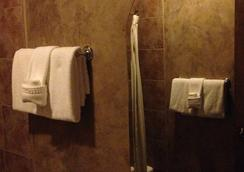 Luxx Boutique Hotel - 샌타페이 - 욕실