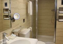 유로트래블러 호텔- 익스프레스 (엘리펀트 & 캐슬) - 런던 - 욕실