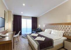 Michell Hotel - Adults Only - 알라냐 - 침실