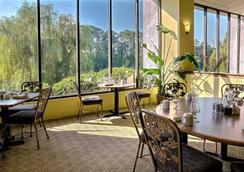 Riverwalk Inn & Suites - 머틀비치 - 레스토랑