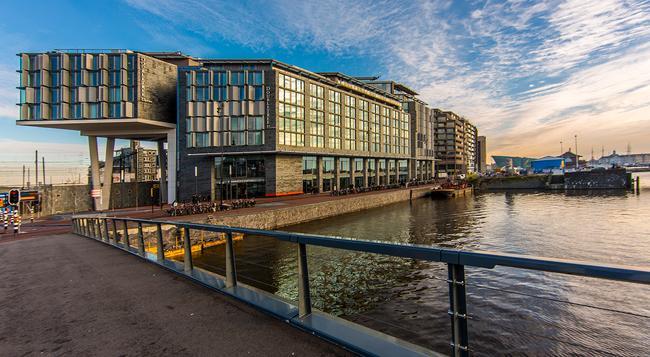 더블트리 바이 힐튼 호텔 암스테르담 센트럴 역 - 암스테르담 - 건물