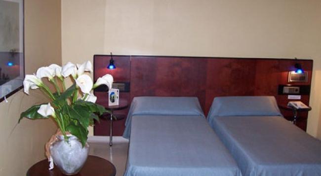 호텔 라 우에르타니카 - 무르시아 - 침실