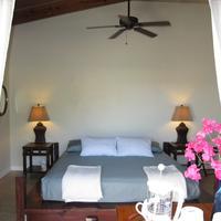 Two Sandals by the Sea Inn - B&B Guestroom