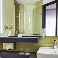 인터시티호텔 함부르크 알토나 IntercityHotel Hamburg-Altona, Germany, bathroom