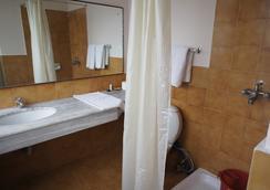 마르코폴로 비즈니스 호텔 - 카트만두 - 욕실