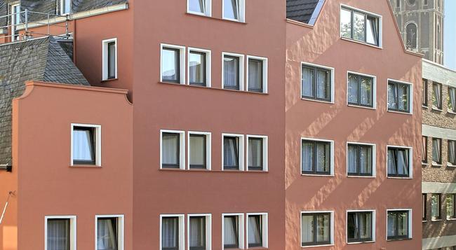 베스트 웨스턴 리스키르켄 호텔 - 쾰른 - 건물