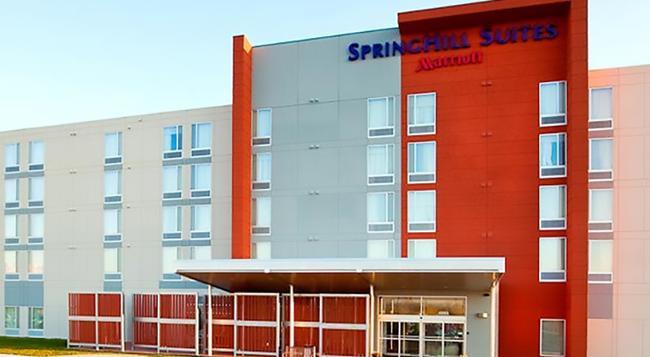 SpringHill Suites by Marriott Salt Lake City Airport - 솔트레이크시티 - 건물