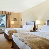 Radisson Hotel at The University of Toledo Guestroom