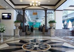 호텔 칸하 시얌 - Allahabad - 로비