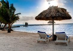 Royal Caribbean Resort - 산페드로 - 해변