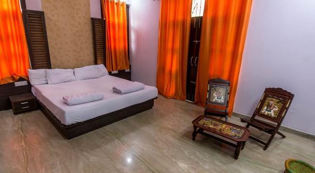 백패커 판다 레이크 파테 사가르 우다이푸르 - 우다이푸르 - 침실