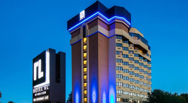 레드 라이온 호텔 앳 더 파크 - 스포캔 - 건물