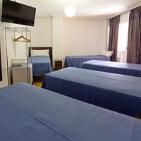 Pensión Laurel Guestroom
