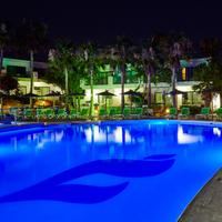 THB Flora Outdoor Pool