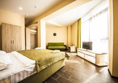 Hotel Pelikan - 크라스노다르 - 침실