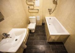 Hotel Pelikan - 크라스노다르 - 욕실