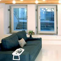 So Cool Hostel Porto Living Room