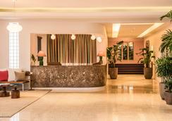 The Hall South Beach - 마이애미비치 - 로비