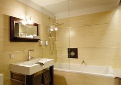 에델레 호텔 - 베를린 - 욕실