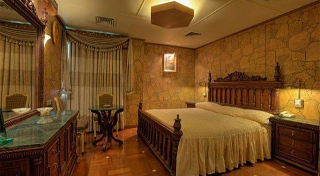Hotel Days Inn - 카라치 - 침실