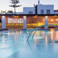 Madoupa Boutique Hotel Poolside Bar