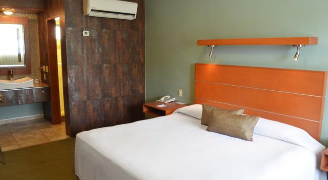 Calafia Hotel - 멕시칼리 - 침실