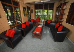와일드 팜 온 씨 호텔 - Thiruvananthapuram - 로비
