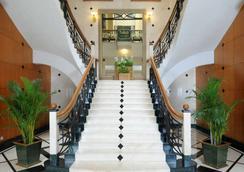더 오키드 호텔 - 뭄바이 - 로비