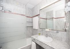 호텔 아메리카 세빌라 - 세비야 - 욕실