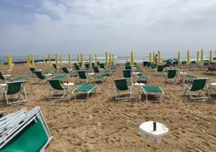 Hotel Anny - 예솔로 - 해변