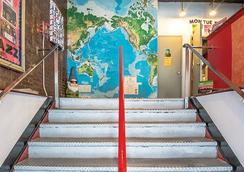 재즈 온 더 파크 유스호스텔 - 뉴욕 - 계단