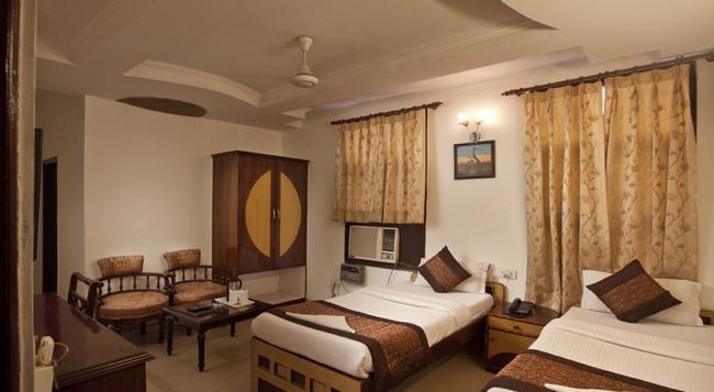 호텔 파라스 인터내셔널 - 뉴델리 - 침실