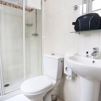 르 몽클레어 몽마르트 호스텔 Bathroom