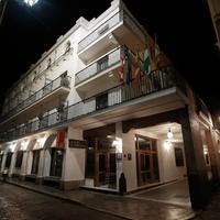 호텔 페르난도 III Hotel Front - Evening/Night