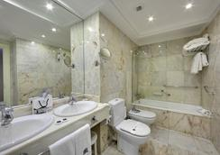 호텔 드 롱드르 이 드 잉글라테라 - 산세바스티안 - 욕실