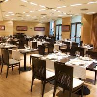 리베라 데 트리아나 호텔 Restaurant