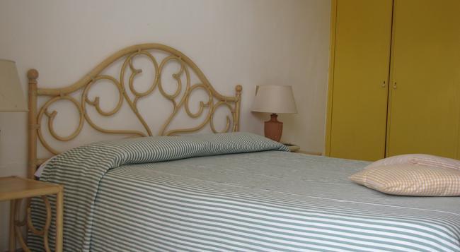 호텔 카자 델 솔레 - 이스키아 - 침실