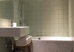 사고 호텔 - 뉴욕 - 욕실